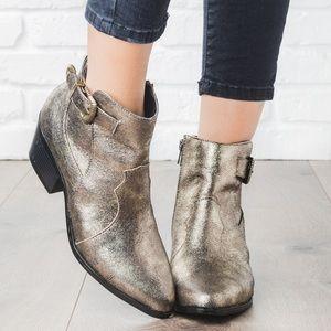 Montana-27X Qupid Metallic Buckle Ankle Boots!💥